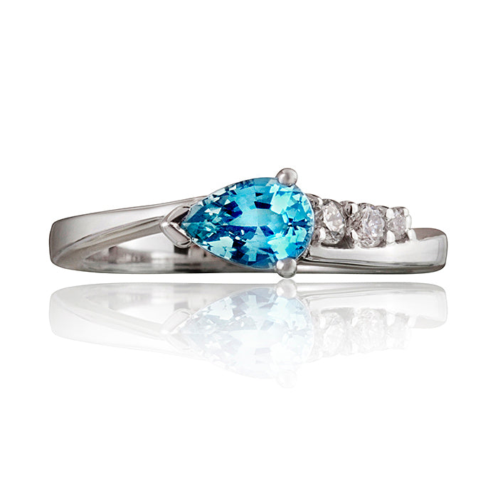 Comet Aquamarine & Diamond Ring