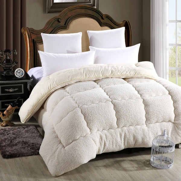 Bristol Luxurious Comforter
