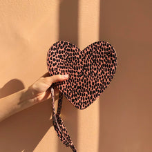Load image into Gallery viewer, Leopard Heart Fanny Pack