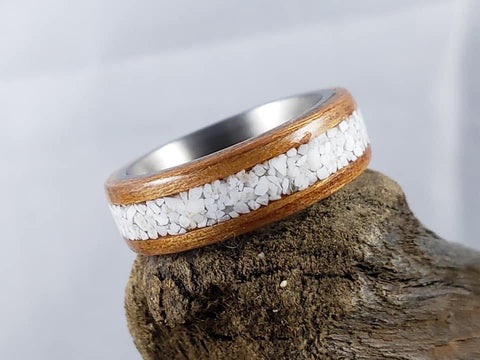 Howlite inlay bentwood ring