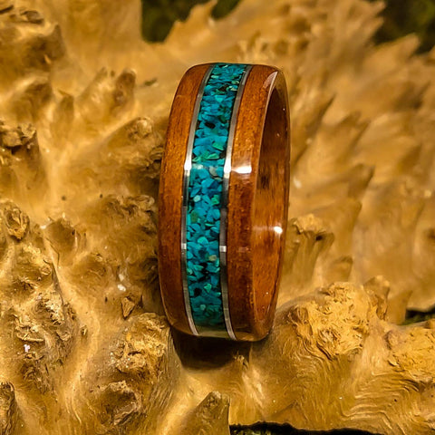 Walnut Bentwood ring with Chrysocolla inlay