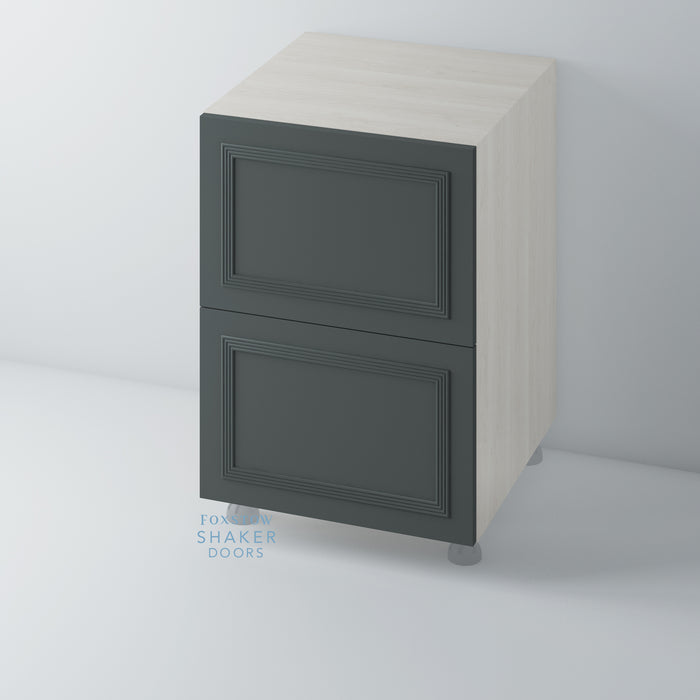 Painted Flat Panel Kitchen Drawers with Reed Moulding