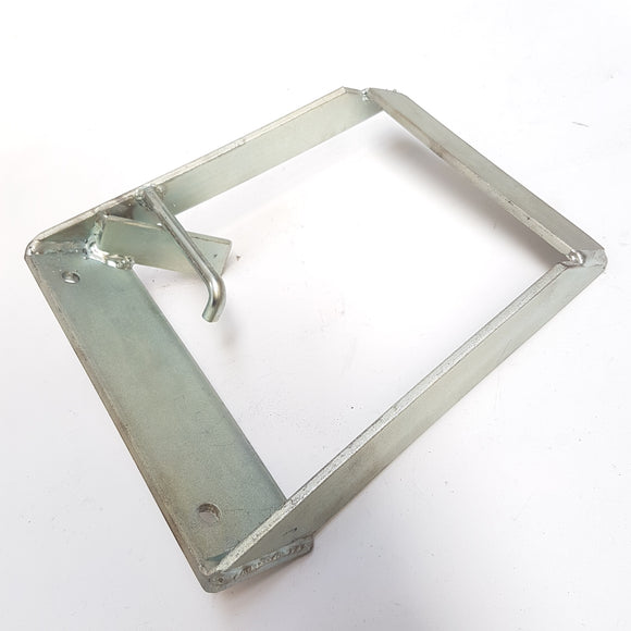 401107 BRACKET ANTI ROTATION ASSY PANTHER 22HP