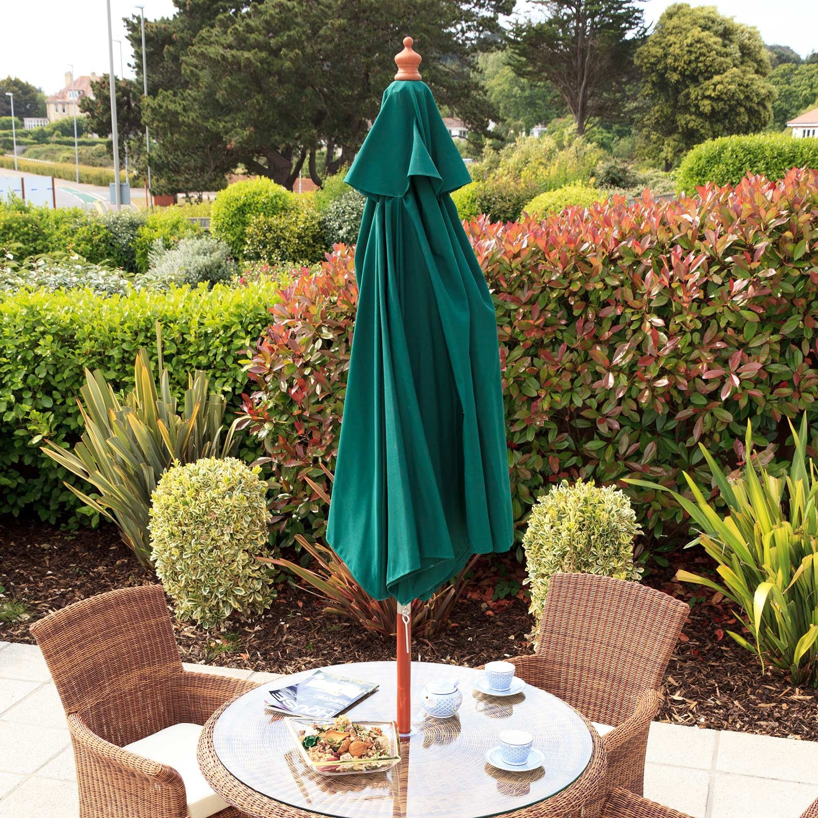 Cozy Bay 3.5m Round Wooden Pulley Parasol - Green