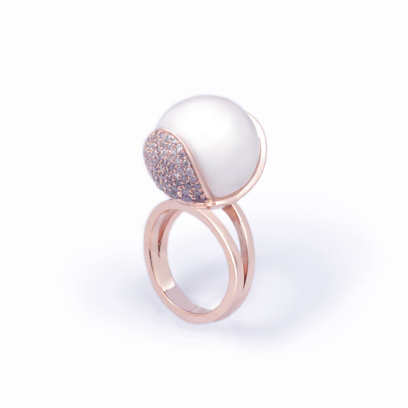 Baby Armadillo™ White Pearl + Pink Diamond ring