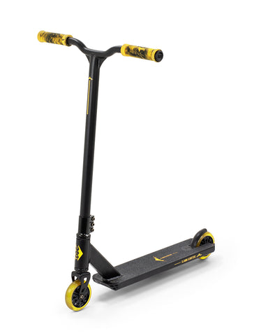 "Slamm 22.5"" Classic V8 Scooter - Black/Yellow - LocoSonix"