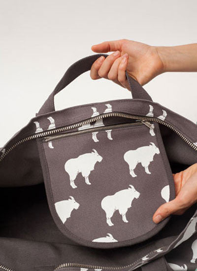 Weekend Bag in Mountain Goats - LEIF