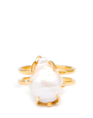 Baroque Pearl Ring - LEIF