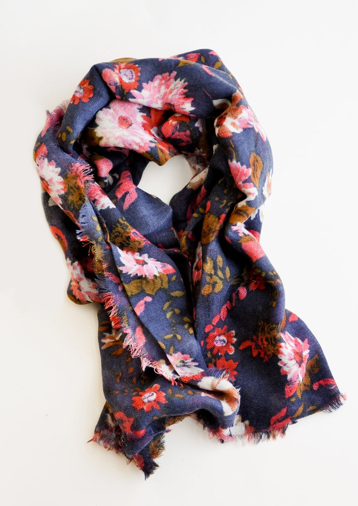Midnight Blue: Wool-cashmere scarf with dark blue background and multi-colored pink and red floral pattern