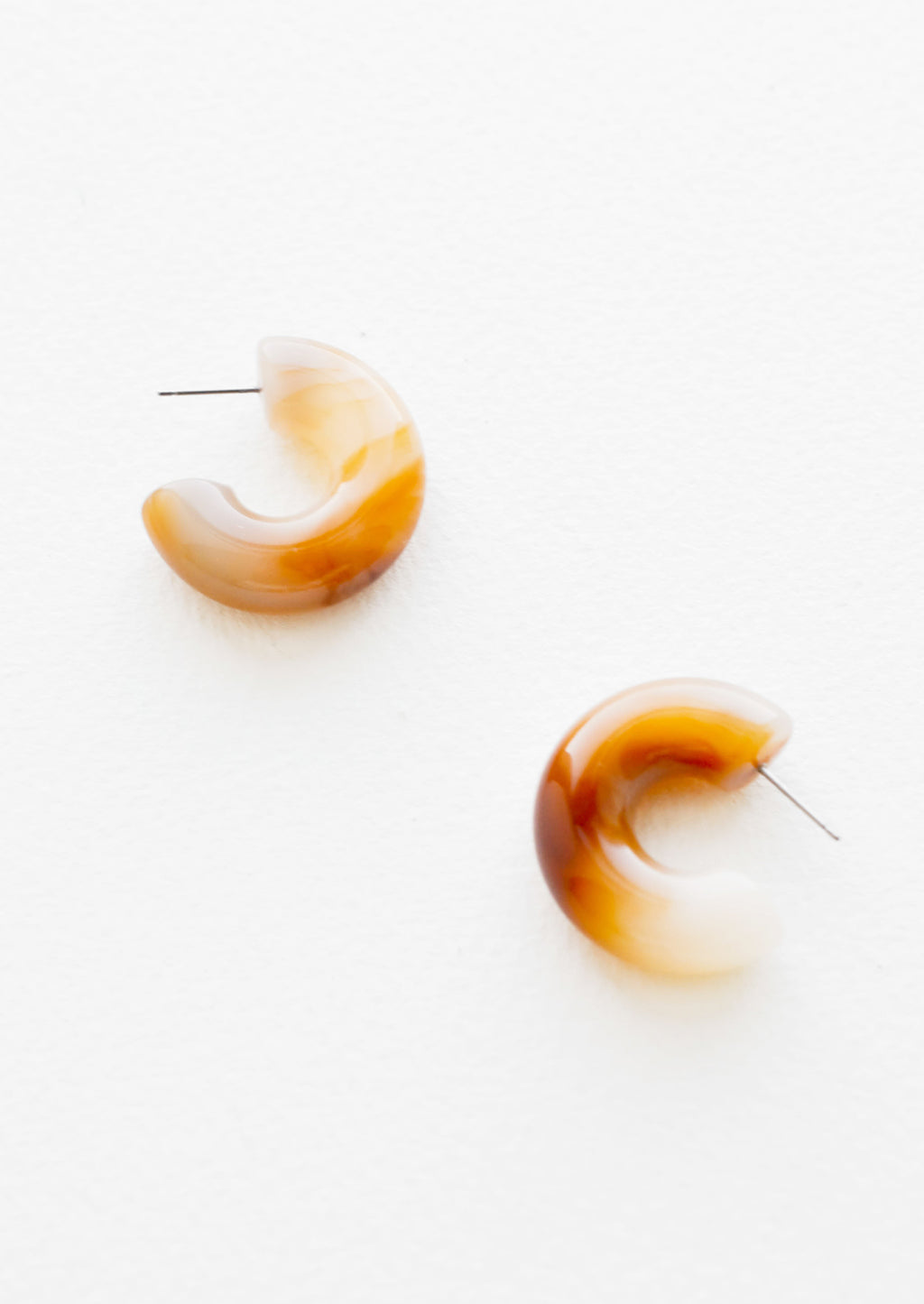 Caramel: Chunky Resin Hoop Earrings in Caramel - LEIF