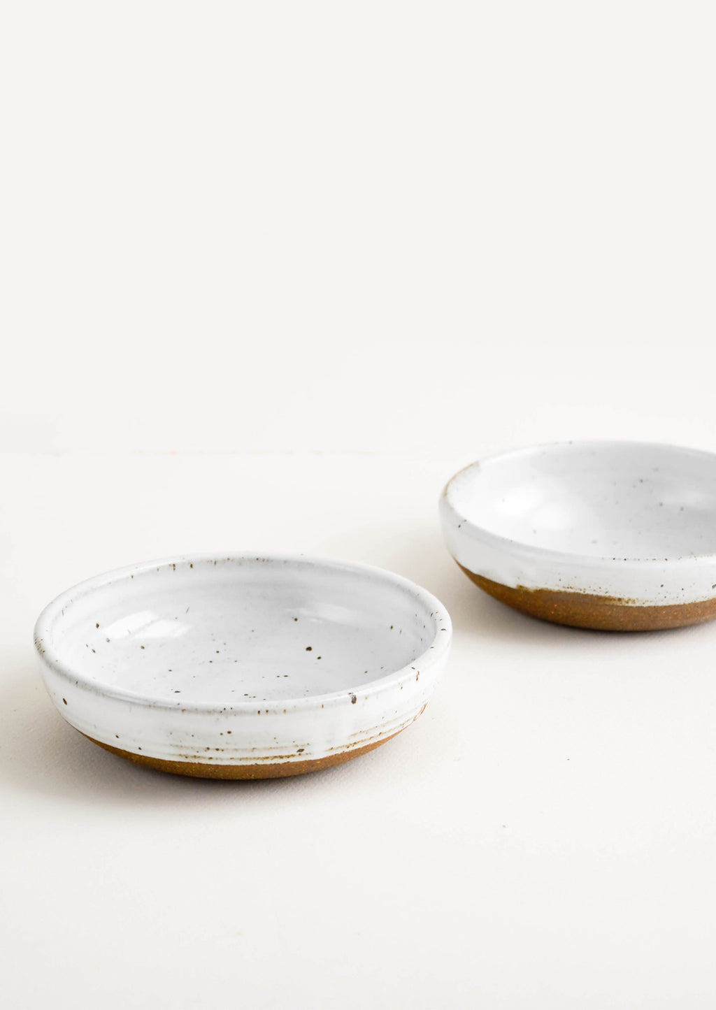Rustic Ceramic Yogurt Bowl in Glossy White - LEIF