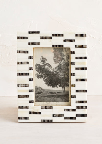 Dashes Picture Frame