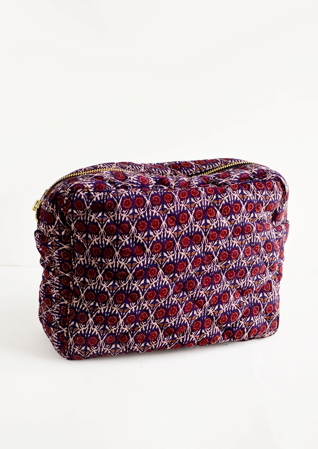 Large / Navy / Wine: Flat and rectangular makeup travel bag with zip closure in wine & navy floral