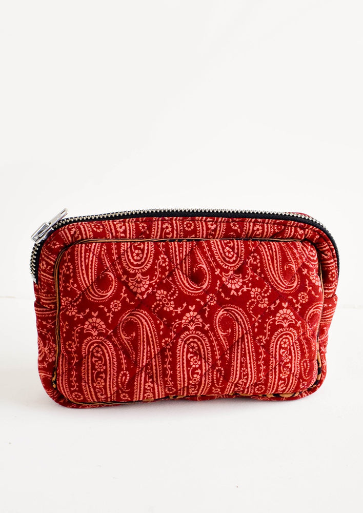 Small / Pinot Paisley: Flat and rectangular makeup travel bag with zip closure in wine & pink paisley