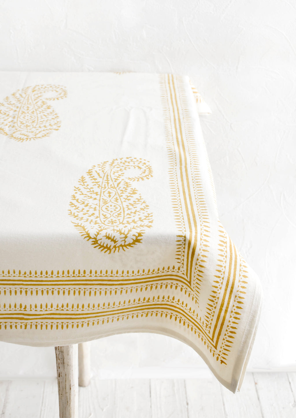 3: Fielden Paisley Tablecloth
