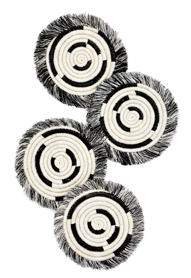 Black / White: Fringed Sweetgrass Coaster Set in Black / White - LEIF