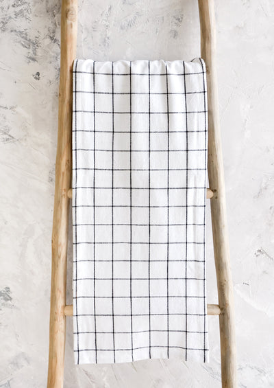 Grid Check Table Runner hover