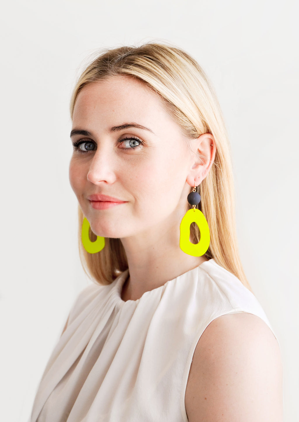 Henri Cutout Earrings