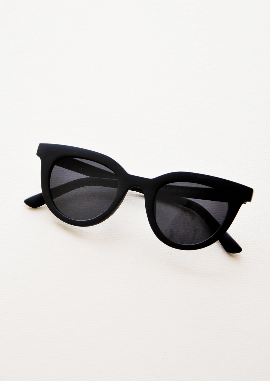 Matte Black: Hotsy Totsy Sunglasses in Matte Black - LEIF