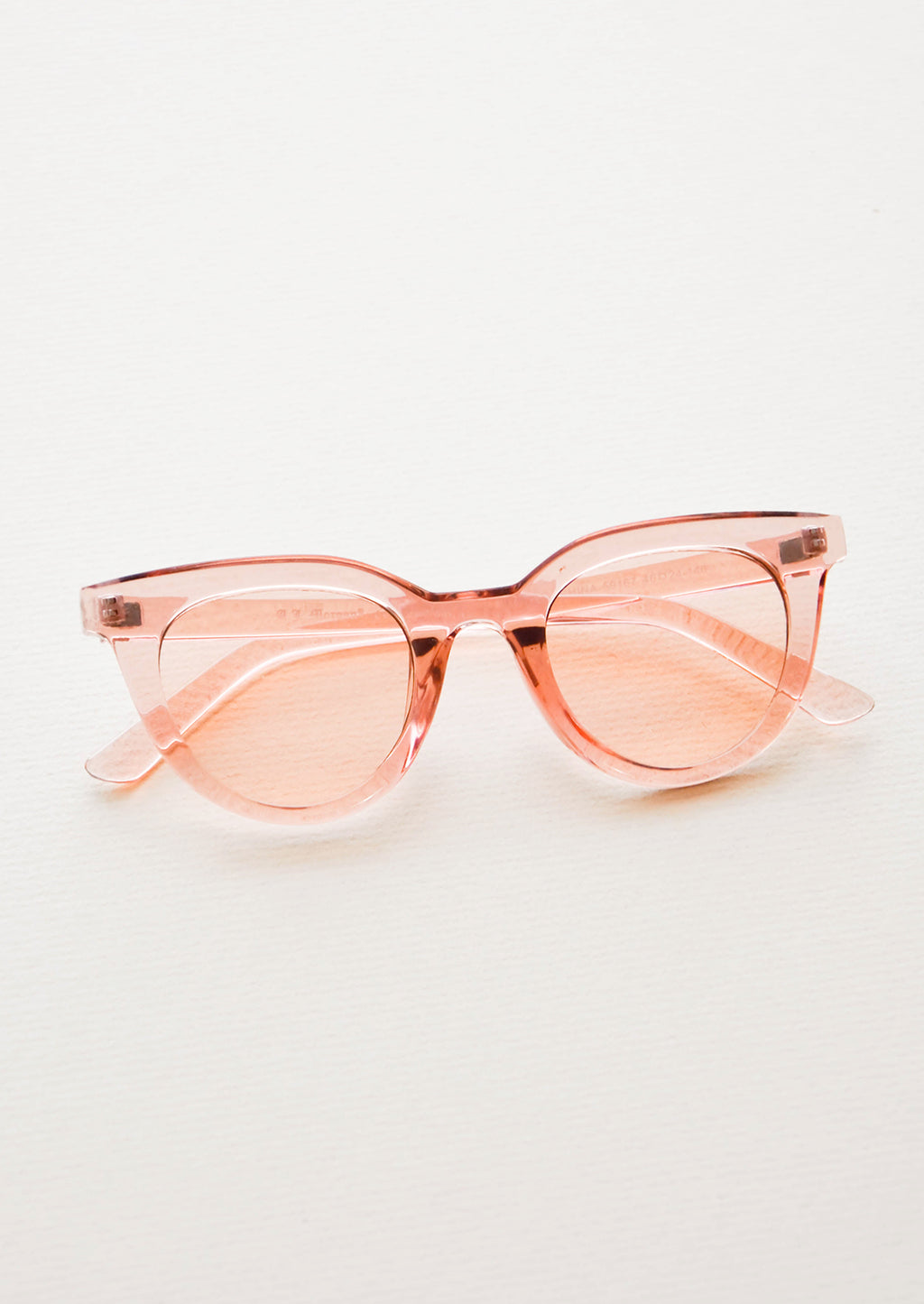 Pink Champagne: Hotsy Totsy Sunglasses in Pink Champagne - LEIF