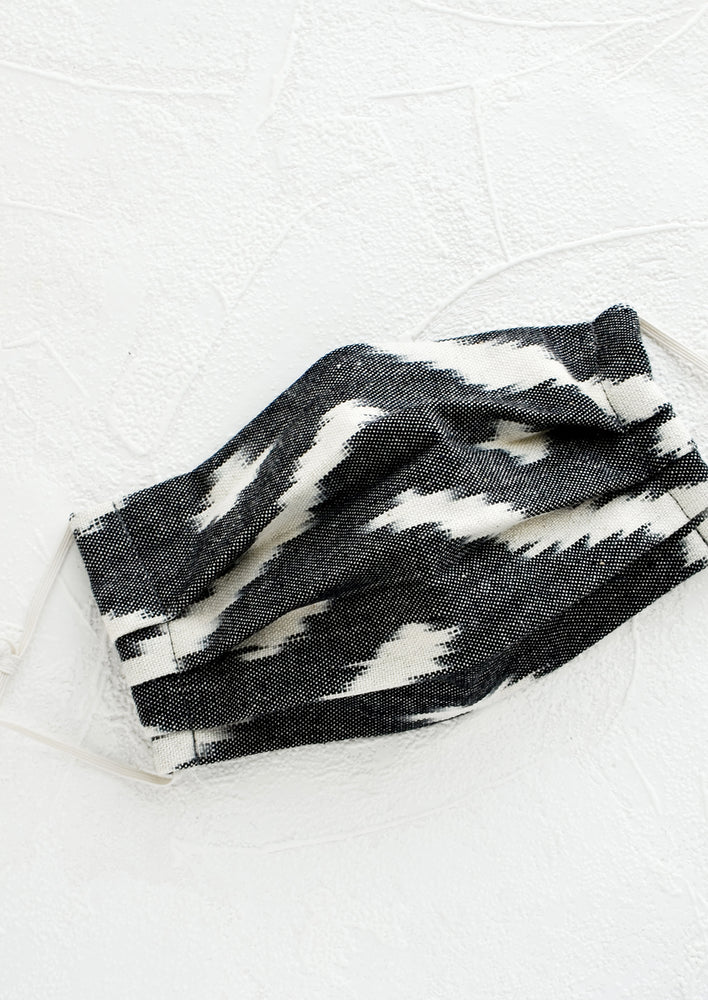 Black & White: Pleated face covering made from ikat woven cotton in black and white