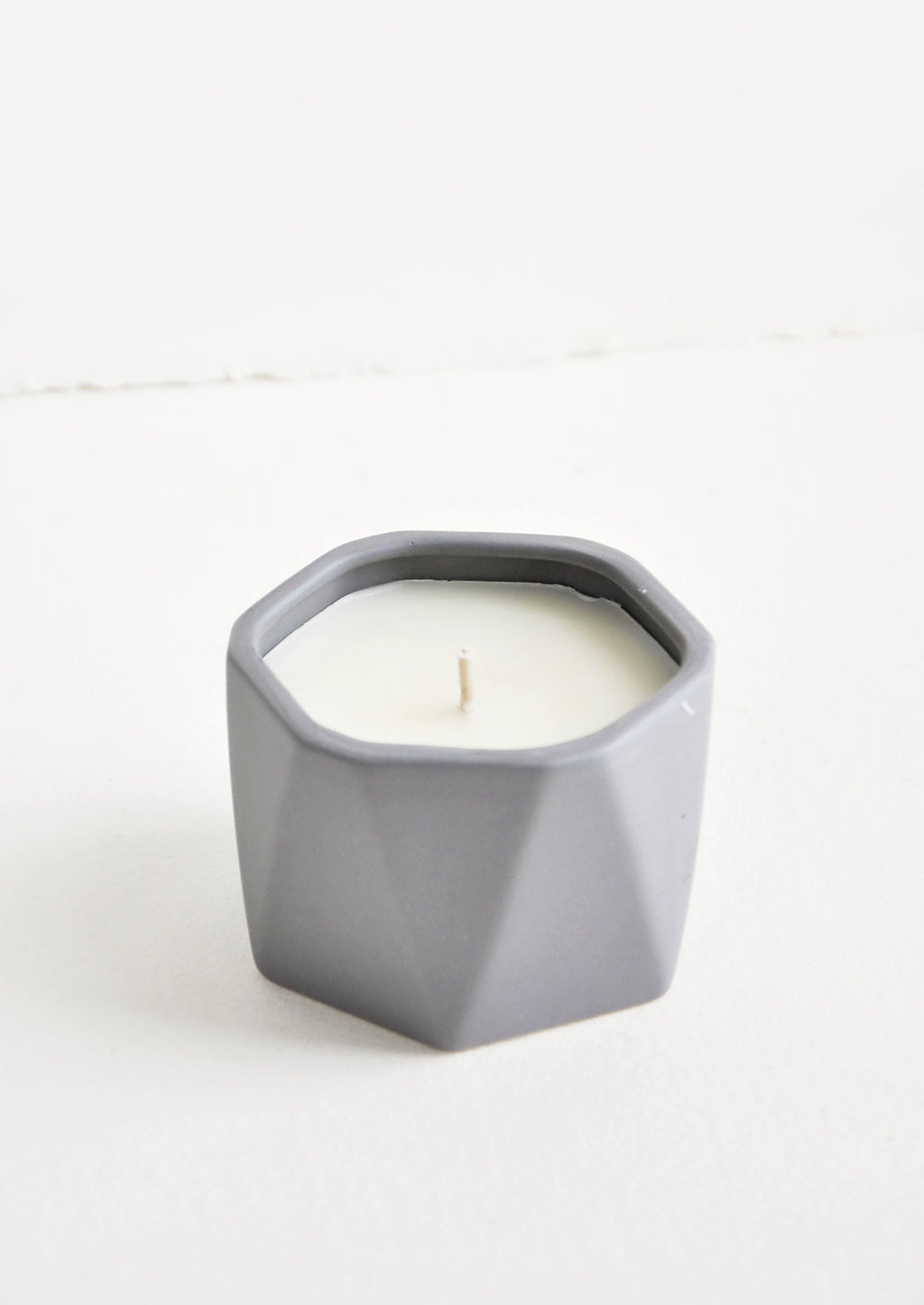Blackberry Absinthe: Geo Faceted Ceramic Candle in Blackberry Absinthe - LEIF