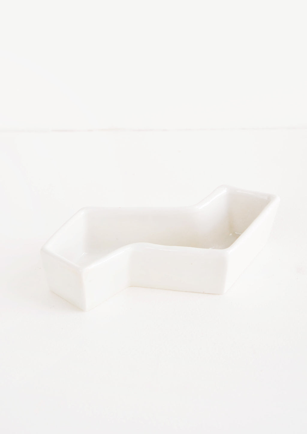White: Zigzag Trinket Dish in White - LEIF
