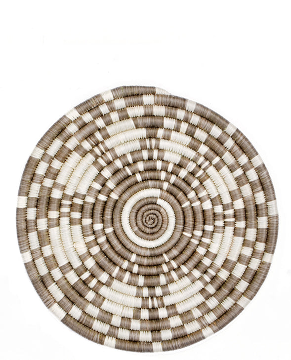 Taupe: Nairobi Trivet in Taupe - LEIF