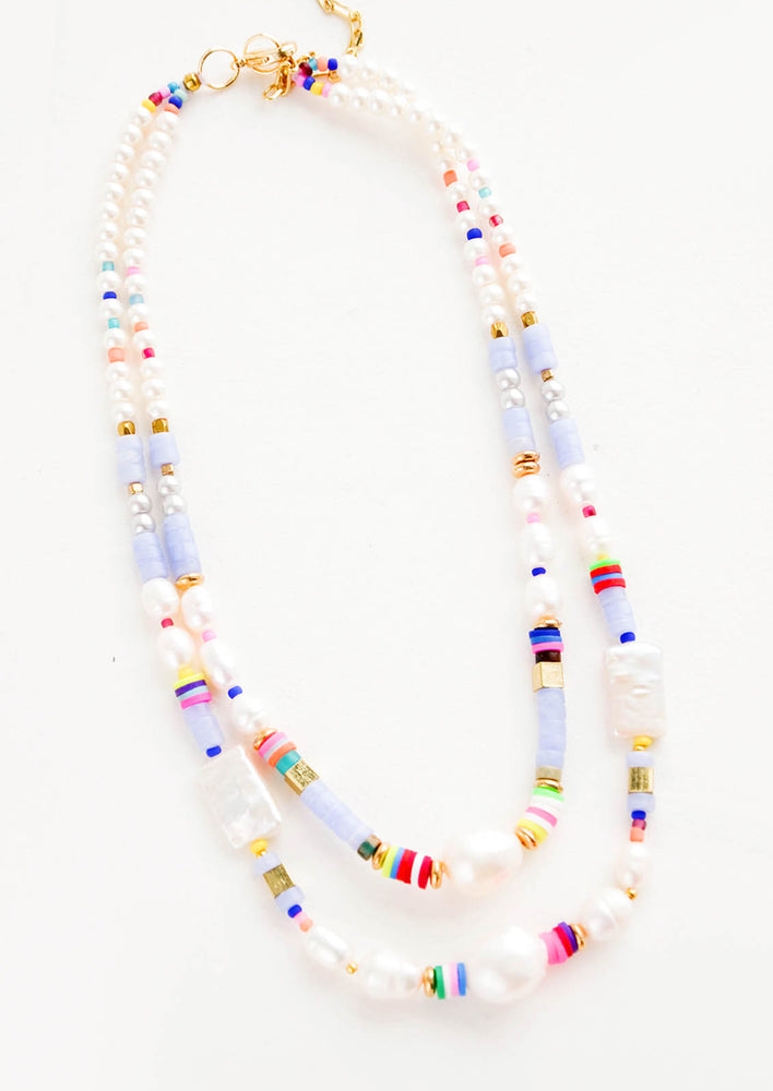 1: Chunky beaded double-layer necklace in a mix of pearl and colorful beads