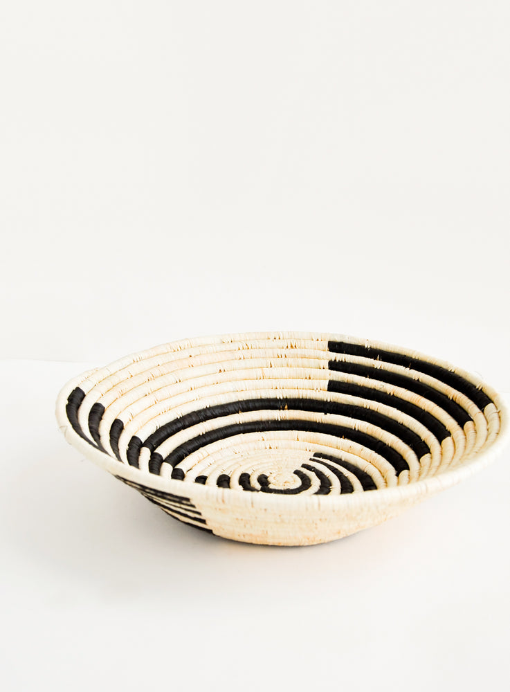 Natural / Black: Radiant Rays Raffia Basket in Natural / Black - LEIF
