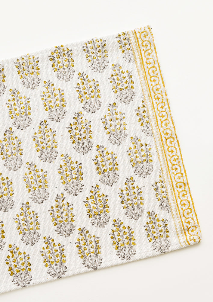 2: Sagebrush Printed Cotton Placemat in Yellow - LEIF