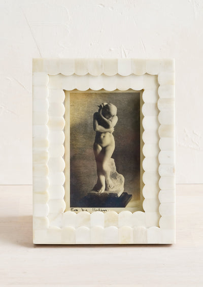 Scalloped Picture Frame