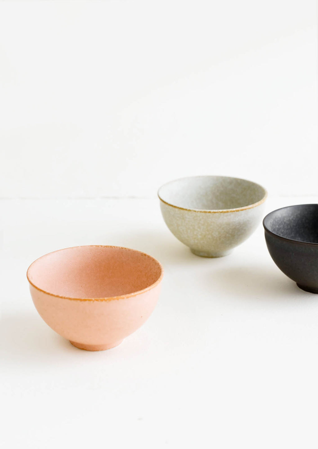 3: Mini Ceramic Bowls in Grey, Peach & Black - LEIF