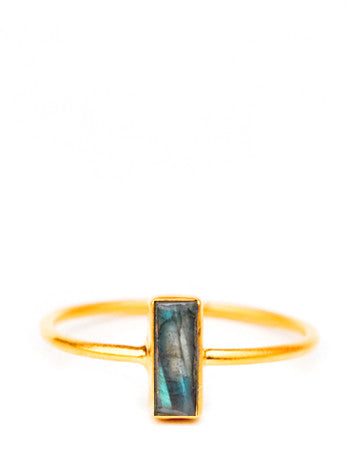 Temira Ring in Labradorite