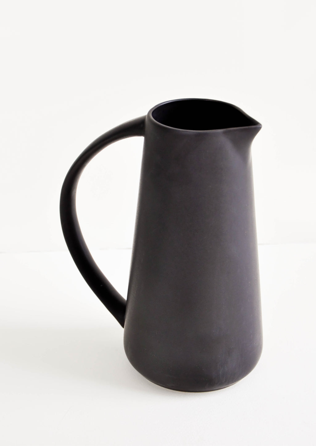 48 oz: Tuazon Ceramic Pitcher