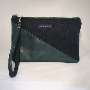 Sadie wrist strap clutch bag in green leather and wool