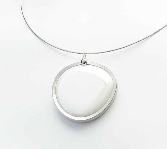 White glass pendant