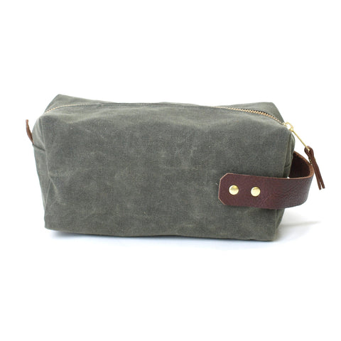 Waxed Duck Island Dopp Kit Olive