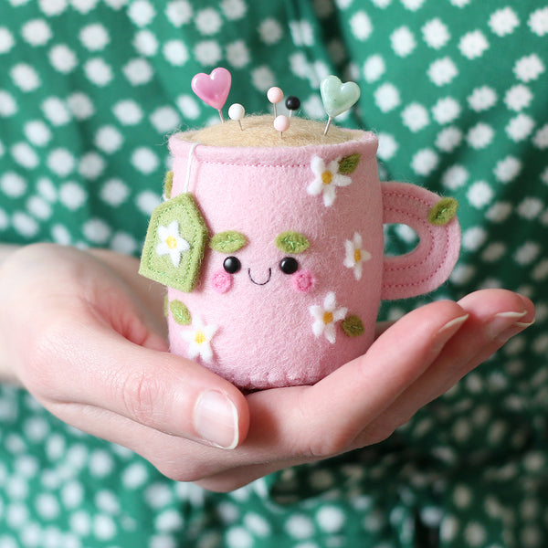 Daisy Teacup Pincushion by hannahdoodle