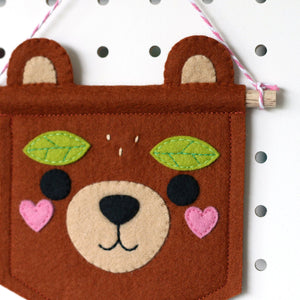products/Woodland-Bear-Felt-Banner-2.jpg