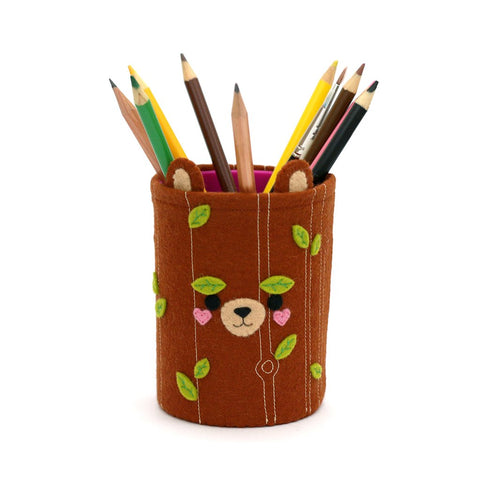 woodland bear pen pot by hannahdoodle