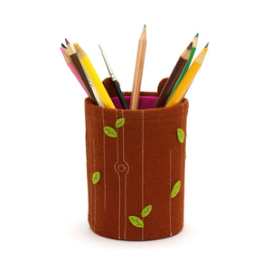 woodland bear pen pot