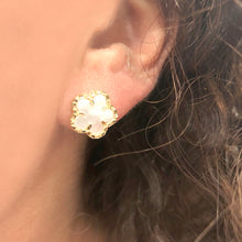14K GOLD MOTHER OF PEARL KIMMY FLOWER STUDS