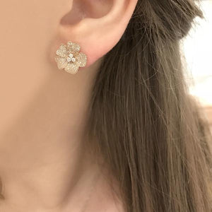 14K GOLD DIAMOND LARGE JENNY FLOWER STUDS