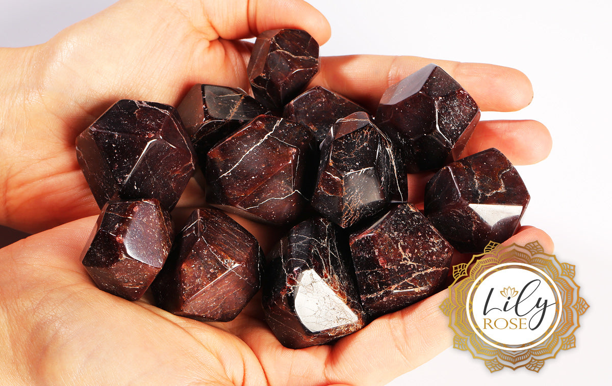 Garnet Gemstone Uses & Crystal Healing Properties