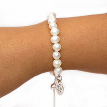 Load image into Gallery viewer, Inner Beauty Freshwater Pearl 925 Sterling Silver Adjustable Bracelet