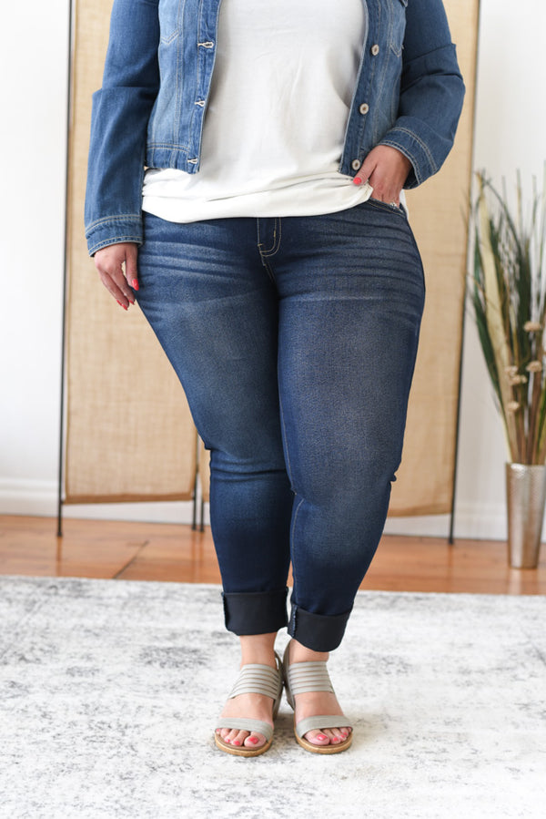 Witney Mid Rise Curvy Kancan Jeans