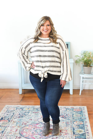 Carlotta Knit Top - Curvy B&W