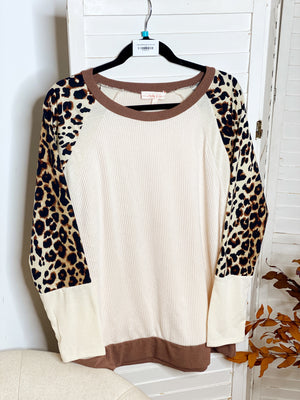Cassey Ribbed Animal Print Top - Curvy