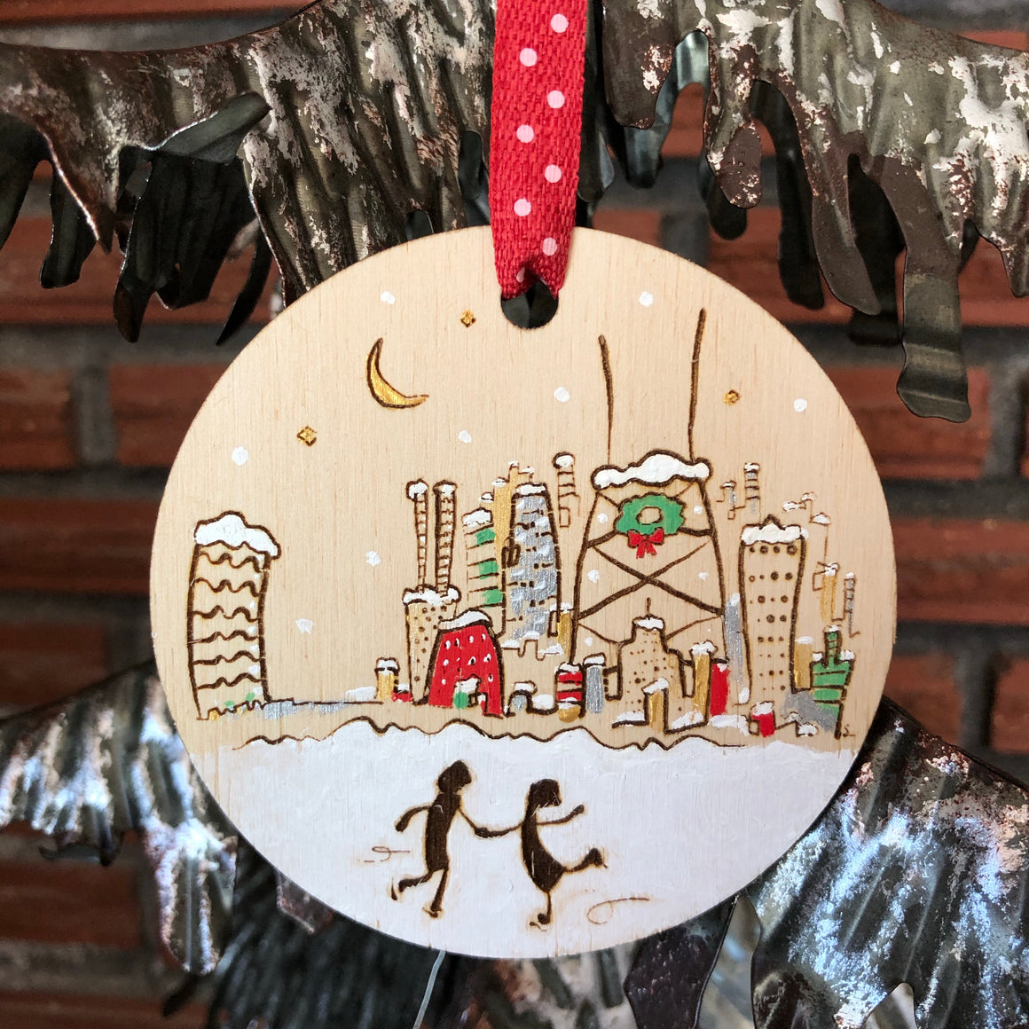 Couple skating in Chicago Ornament | Chicago Christmas decoration